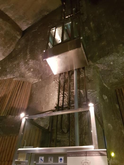 ヴィエリチカ岩塩抗エレベーター